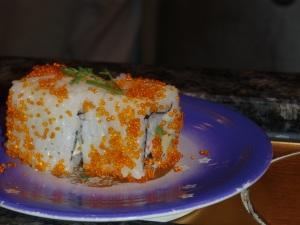 Ops, quase deixei esse sushi com camarao passar na esteira